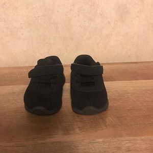 Toddler Nike tennis shoes